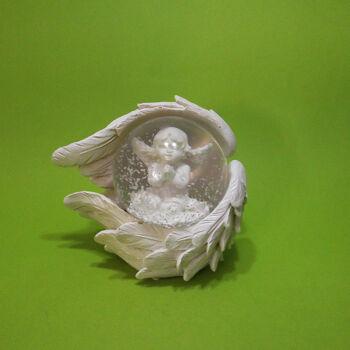 Hógömb Angyal szárnyba foglalat üllő, imádkozó angyal 5x6cm